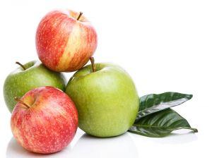 jabłko do jedzenia przez smoczek do owoców